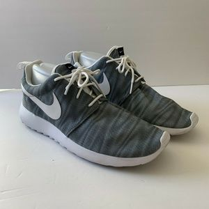 Nike Womens Roshe One Print Sneakers Shoes 10 Gray